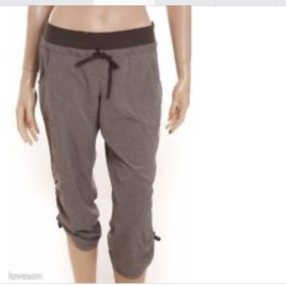 091823bf8cf2 ATHLETA Brown Heather Gathered Drawstring Capris